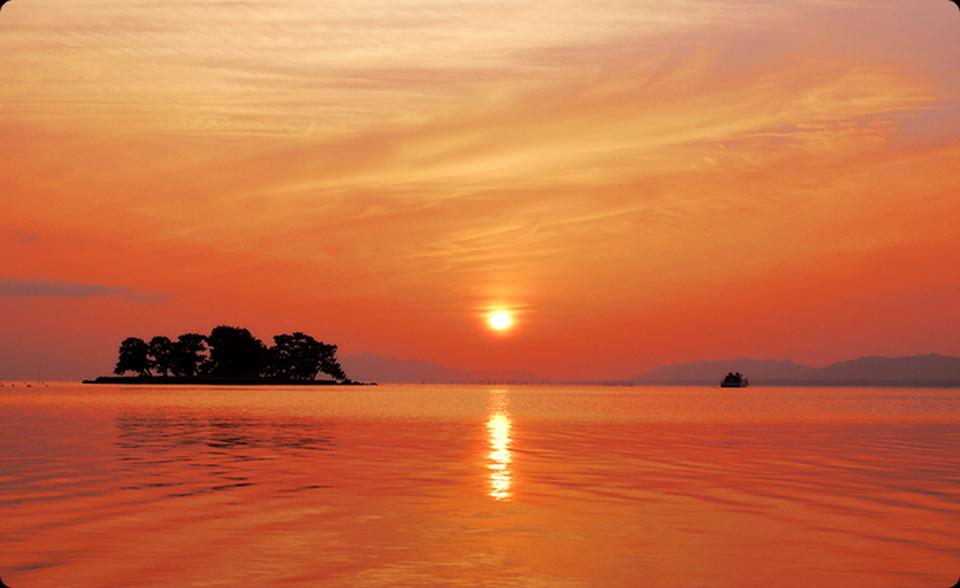 しじみがたくさん獲れる宍道湖の夕日はSNS映え間違いなし