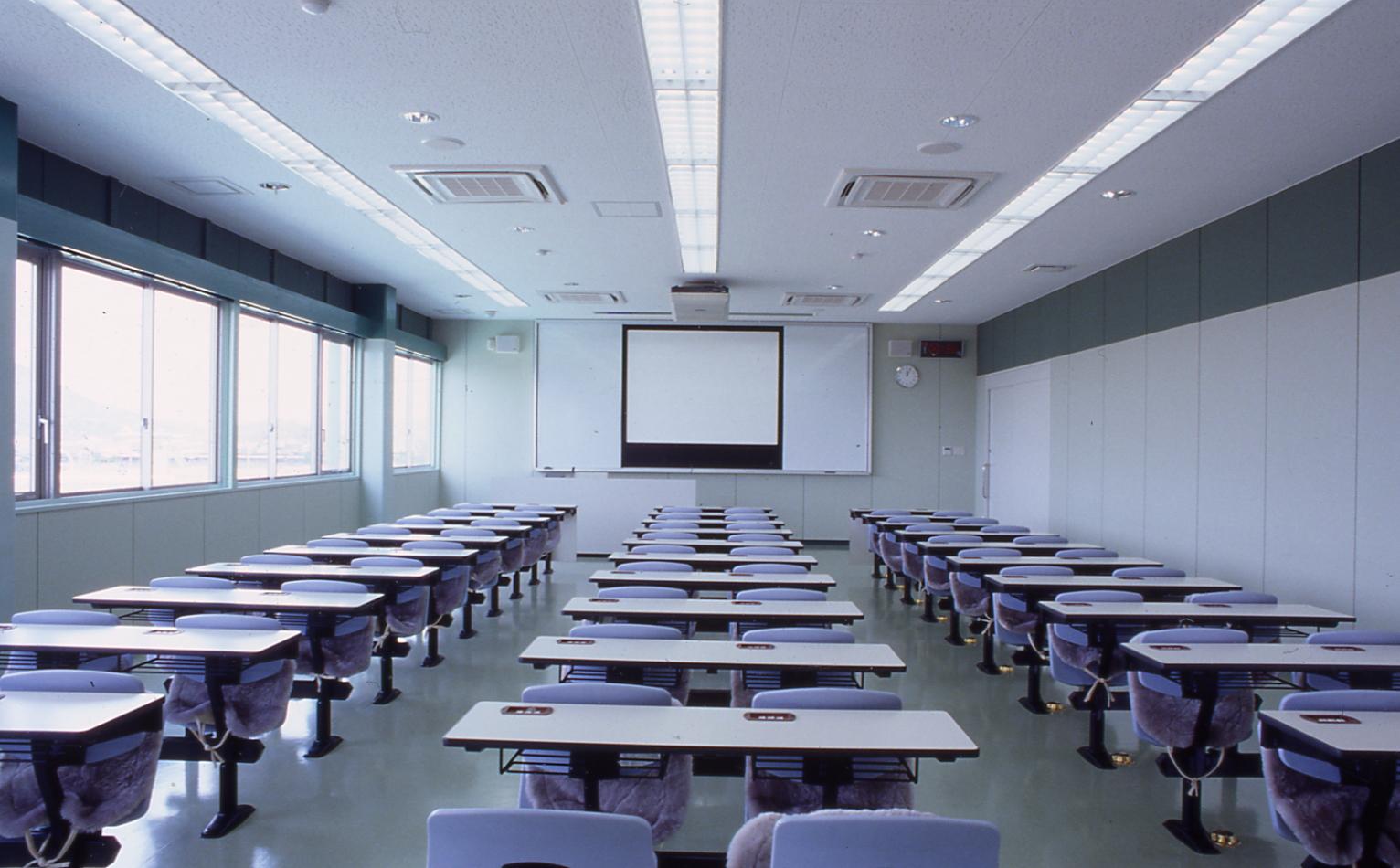 小浜自動車学校の安心、格安、丁寧な予約はHappy運転免許